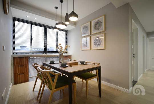 客厅吊顶就是最简单的平顶,光源选择了led的射灯