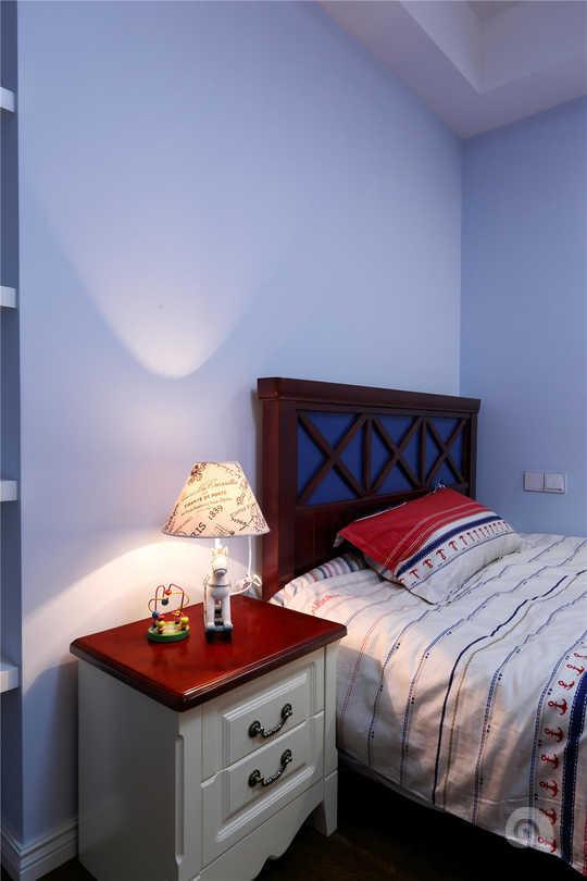 欧式卧室床靠墙图片