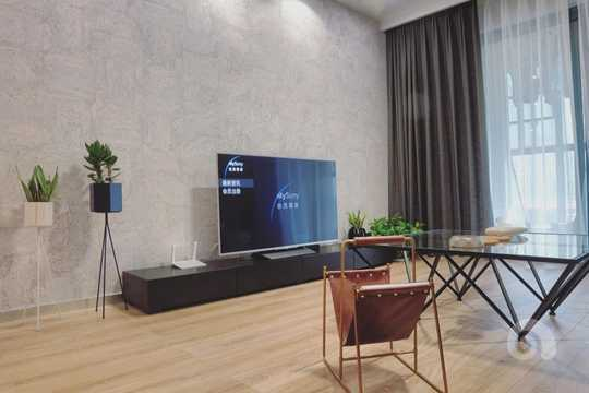 电视背景墙为软木墙板 比墙纸更