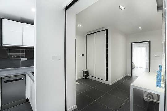 黑白灰和菱形概念贯穿整个空间并